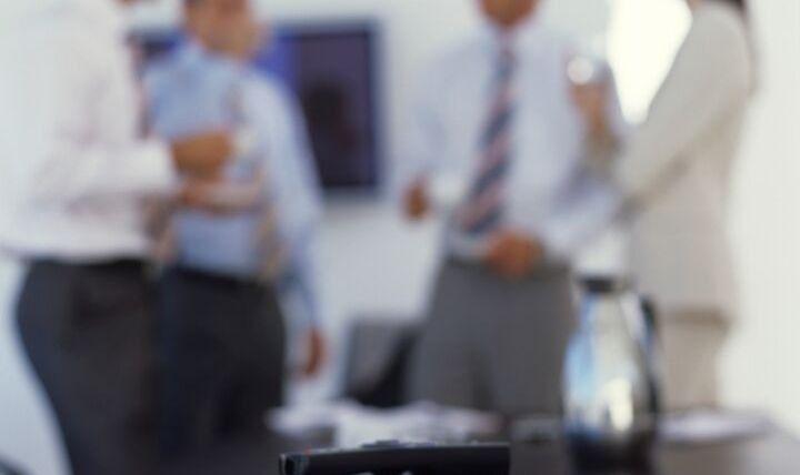 Projektör Sunumuna Telefon